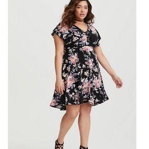 TORRID Black Floral Skater Dress Size 00